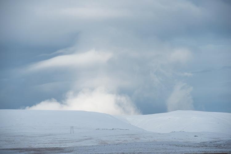 Besneeuwde bergtoppen