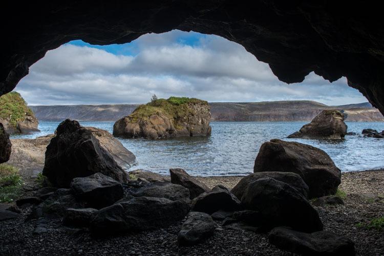 Kleifarvatn cave