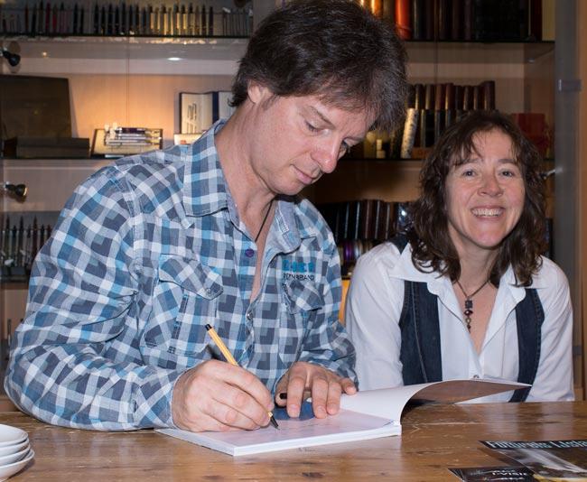 Fotograaf en Auteur Gerry samen met Ans, welke de Lay-out voor haar rekening heeft genomen.